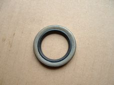 06-7567,  Oil seal D/S crankshaft 1962-75